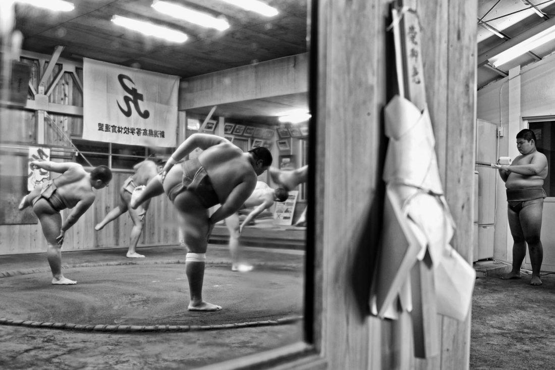 Entrainement journalier dans un club scolaire pour adolescents /// Daily training in a school club © Fabrice Dimier